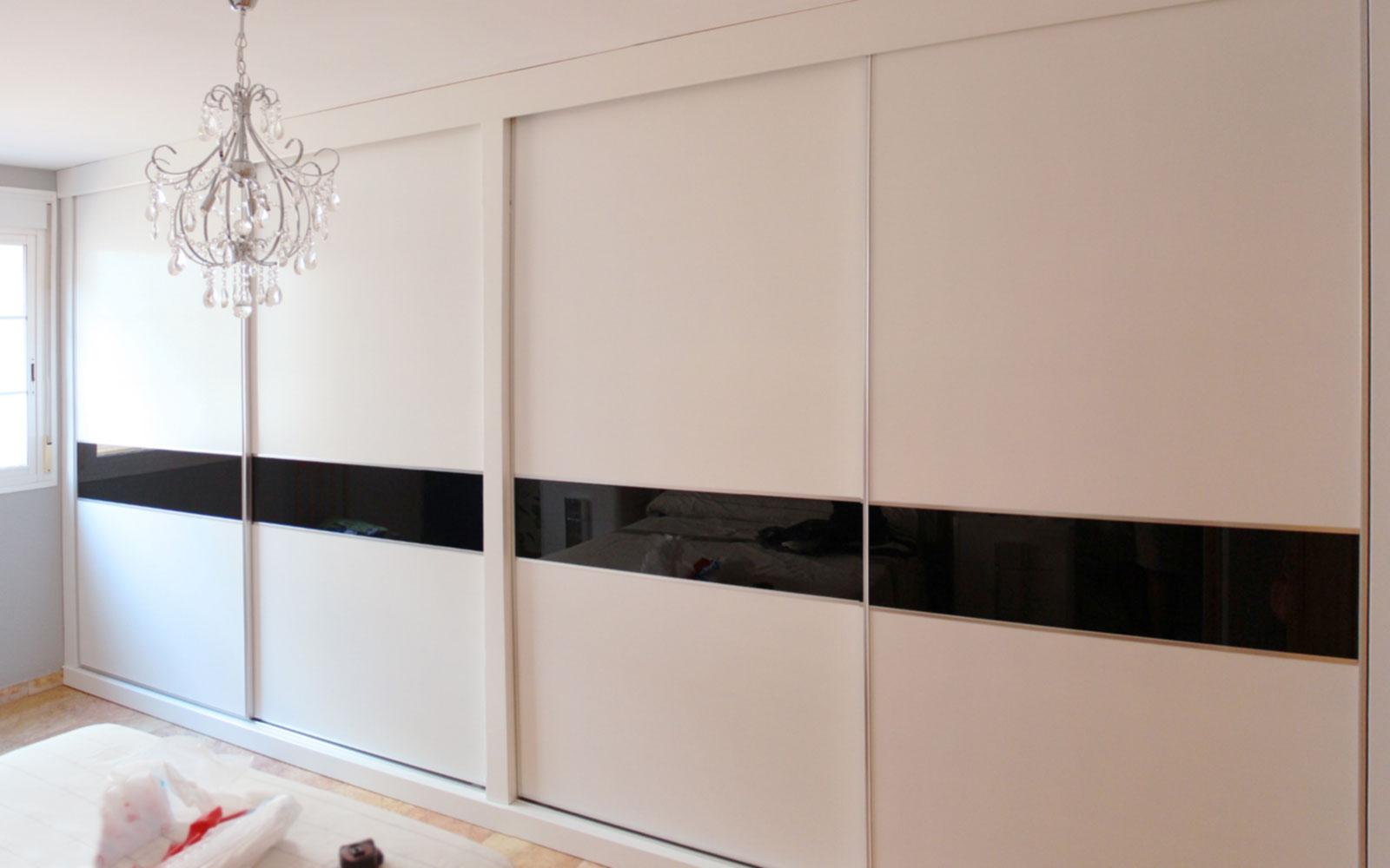 Armarios a medida en almeria benoit roubaud carpinter a - Puertas de interior lacadas en blanco precios ...