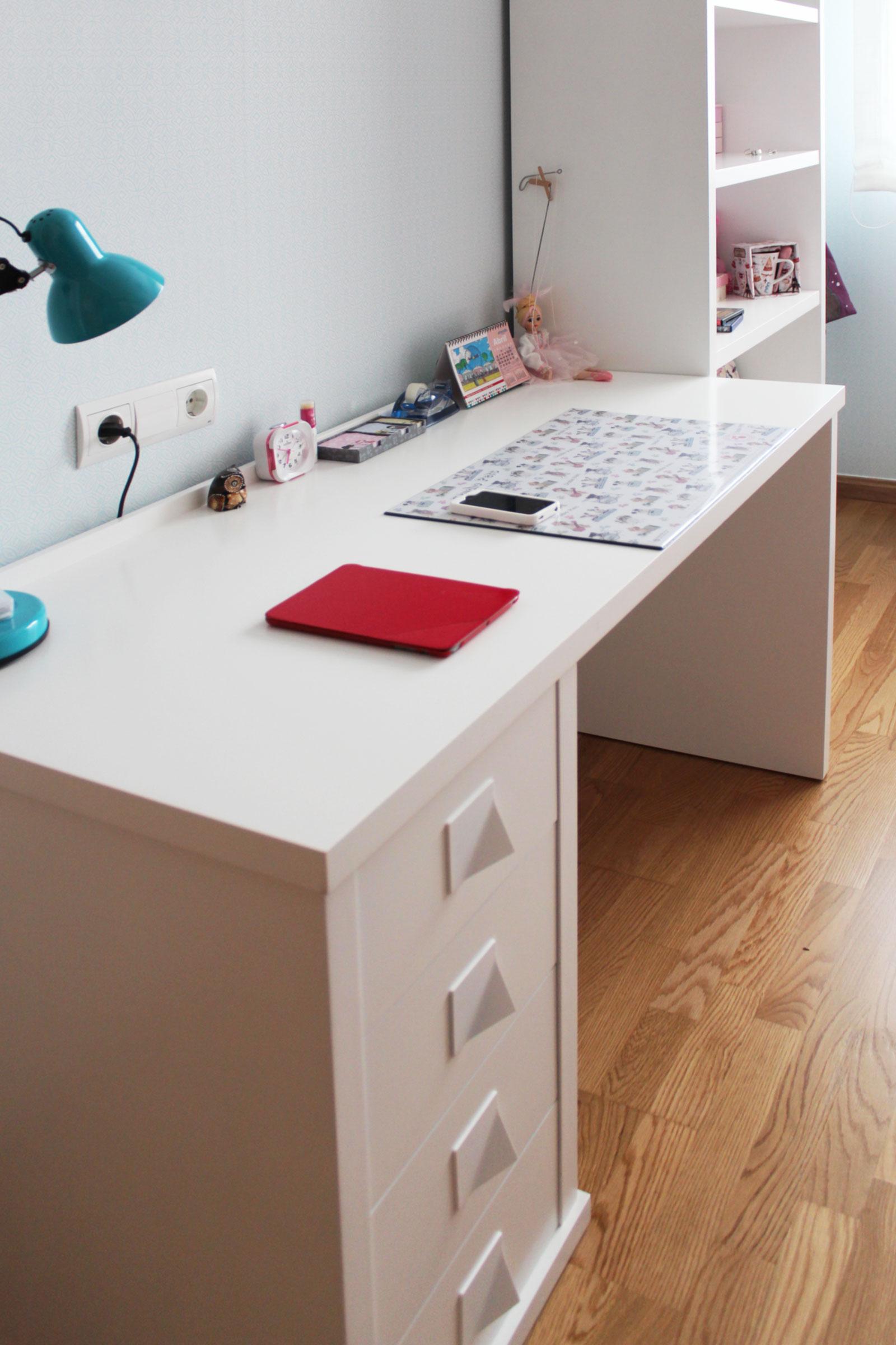 Dormitorio juvenil a medida benoit roubaud carpinter a - Dormitorio juvenil con escritorio ...