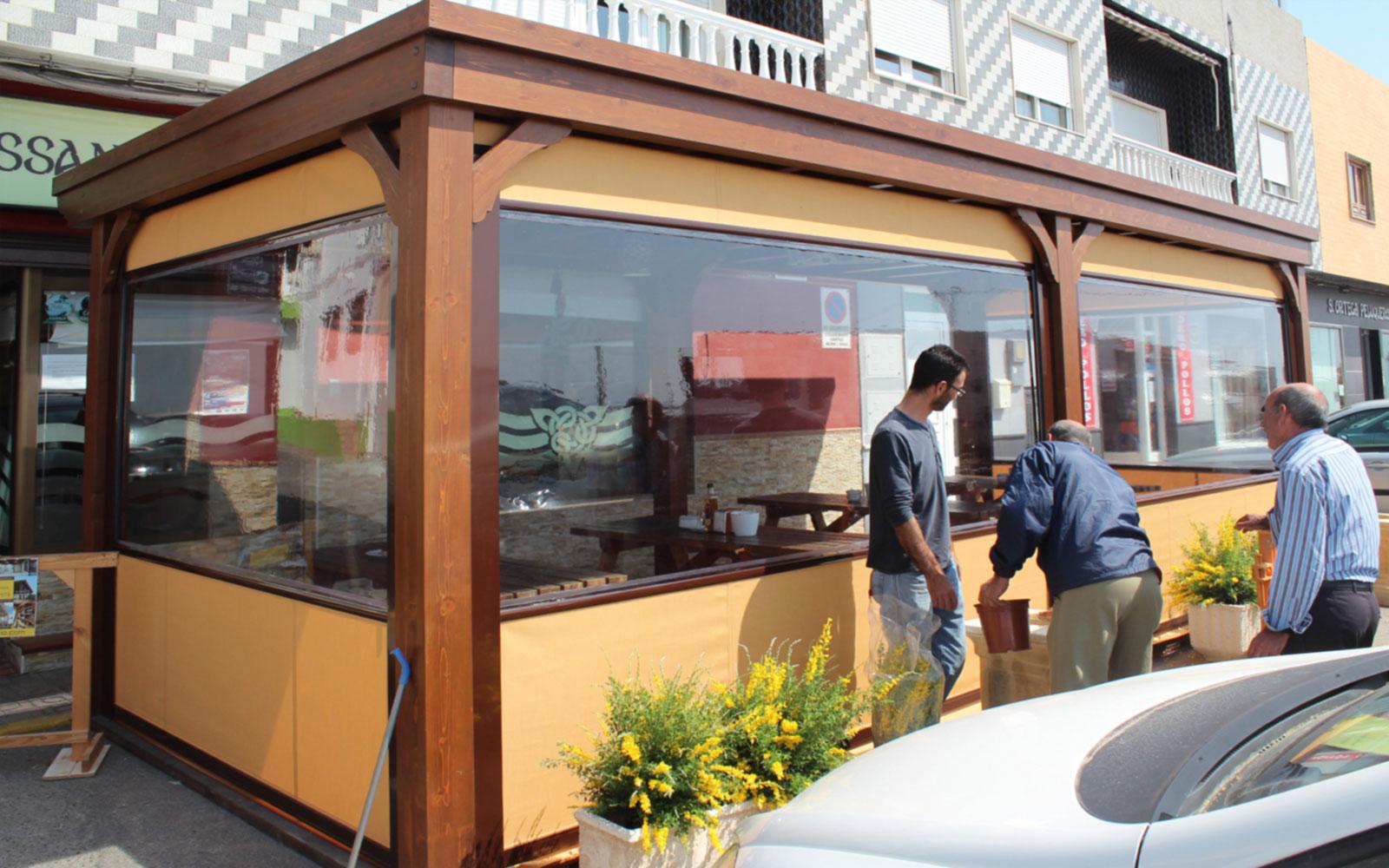 Cerramientos terrazas cafeterias benoit roubaud for Toldos cerramientos terrazas